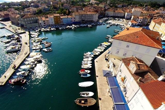 De oude haven van Cres