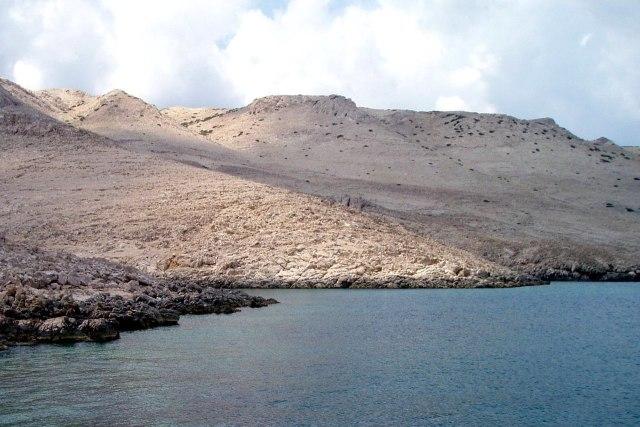 Pag kent een woestijnachtig landschap