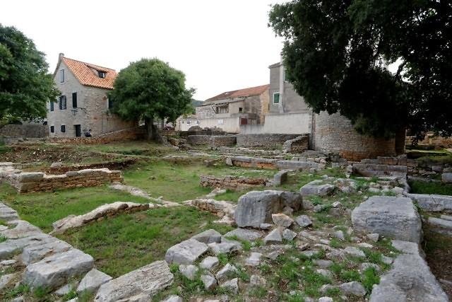 Op Hvar vind je veel Griekse en Romeinse ruïines