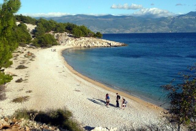 Rustig strand op het eiland Krk