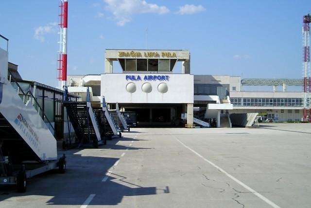 Het vliegveld van Pula